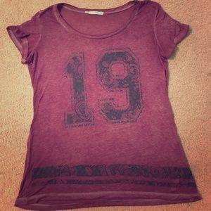 #19 t shirt maroon & black women's sz L Maurice's